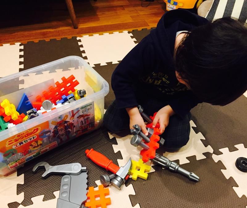 【2歳のクリスマス】学研 ニューブロック 工具セットをプレゼント